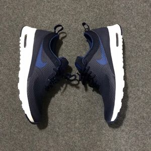 NWOT Nike Thea Shoes